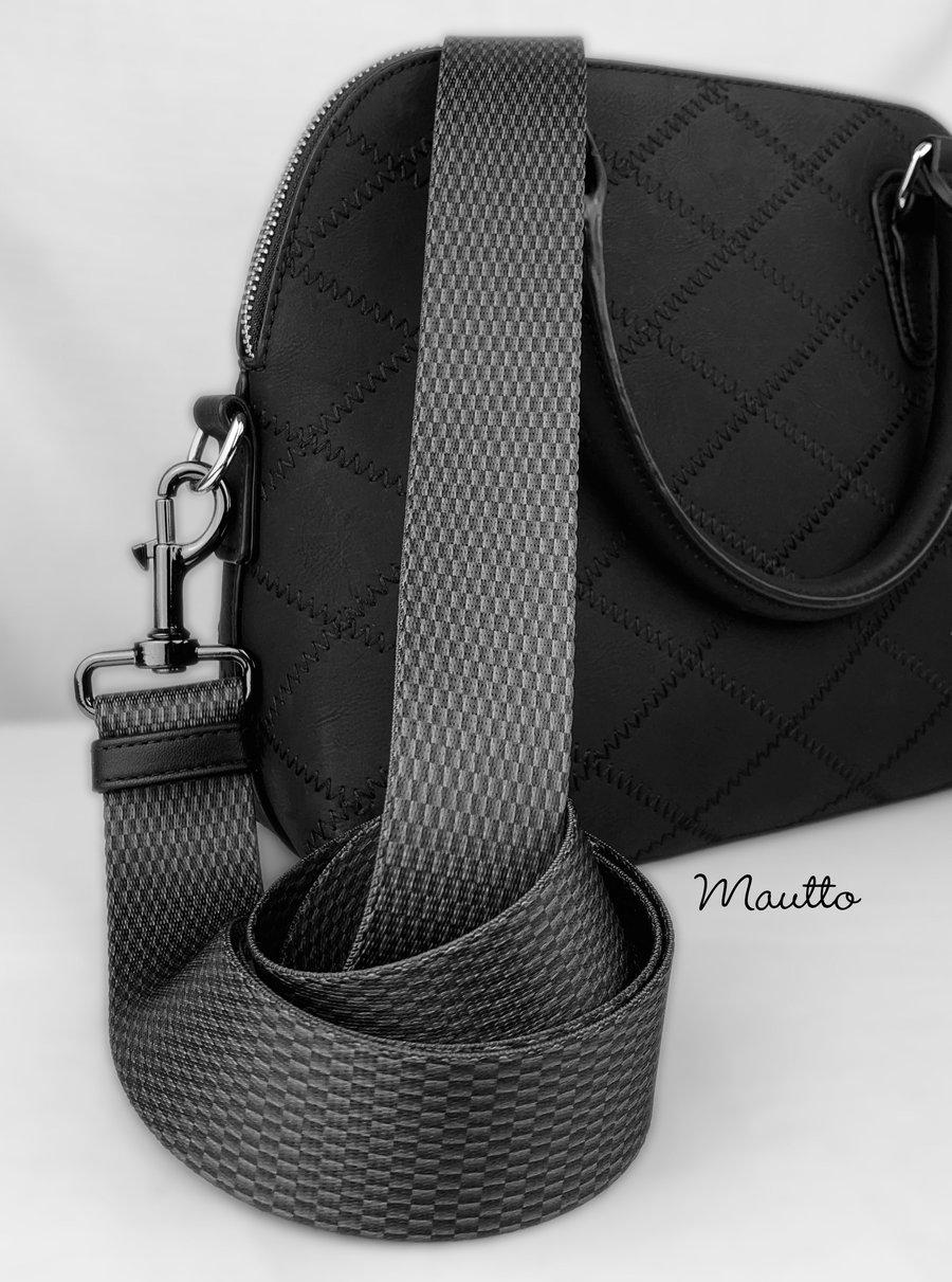 """Image of Carbon Fiber Pattern Bag Strap - 1.5"""" Wide Nylon - Adjustable Length - Dog Leash Style #19 Hooks"""