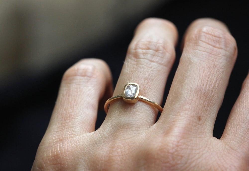 Image of Grey diamond engagement ring. Rose cut. Lisbon