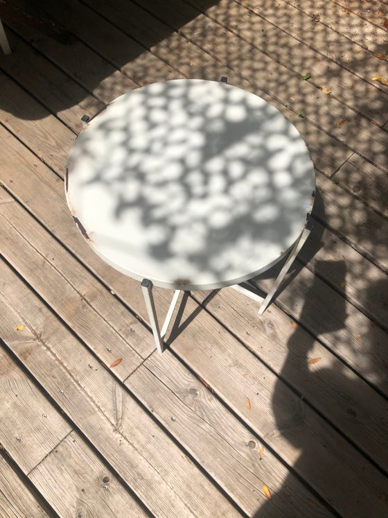 Image of Table ronde vintage blanche