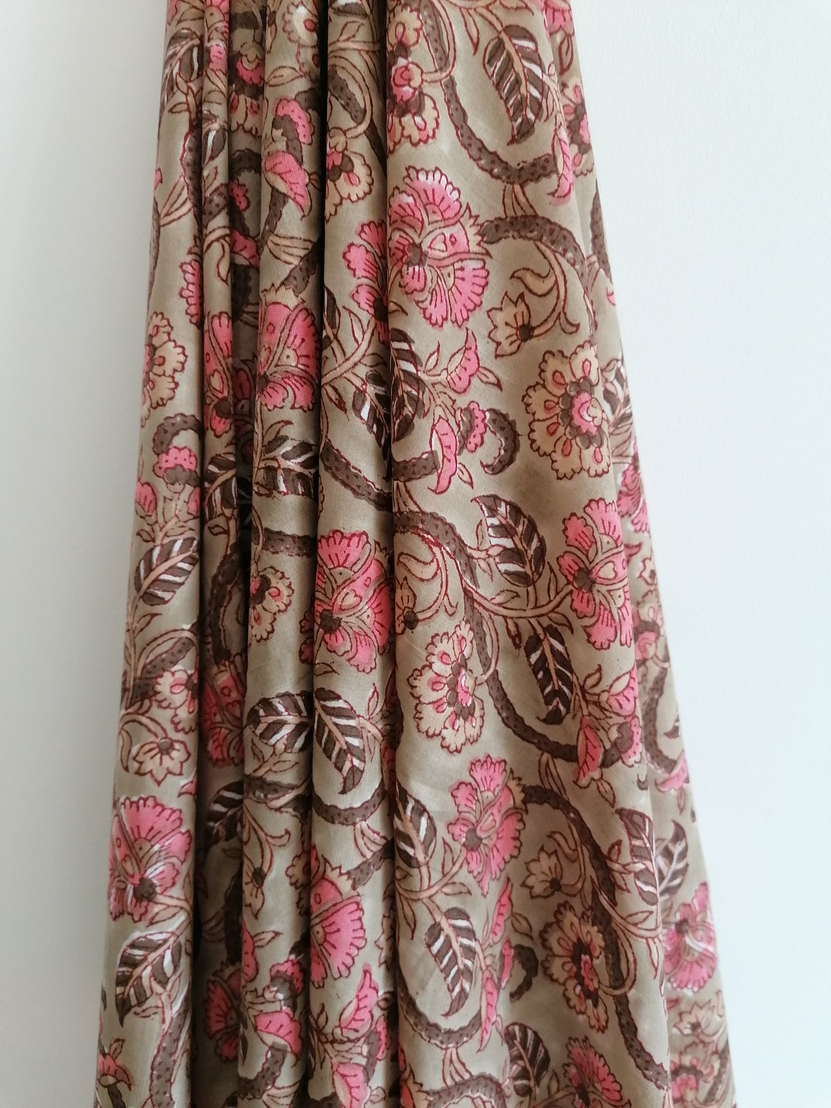 Image of Namasté fabric lianes roses
