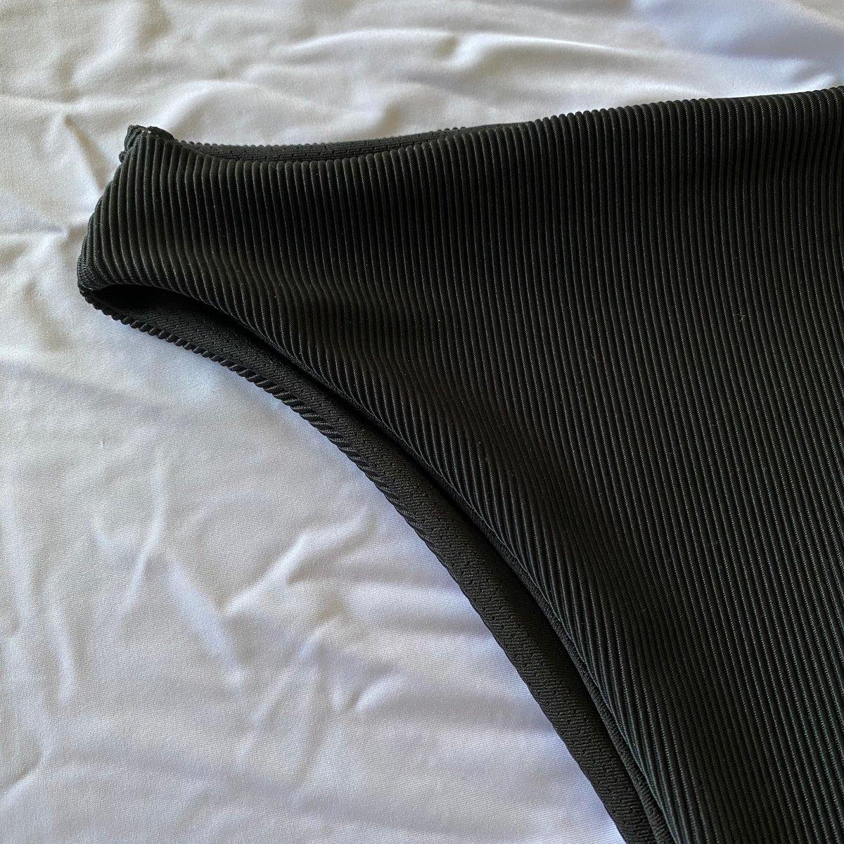 Image of MIDI HIGH TIDES : BLACK RIBBED
