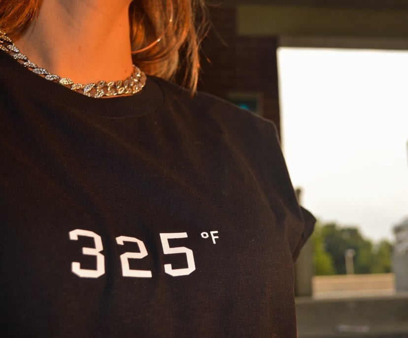 Image of 325 ℉ Baking Tee
