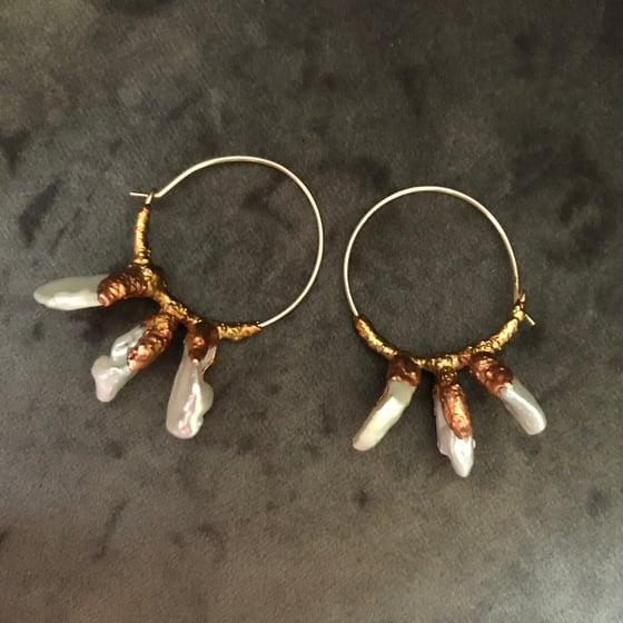 Image of LUMINOUS I ear hoops