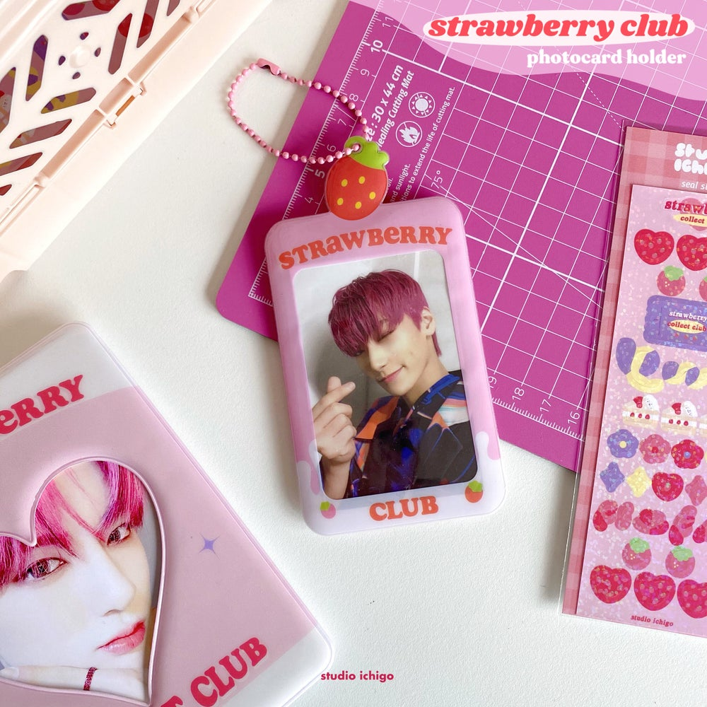Image of [PRE-ORDER] Strawberry Club Photocard Holder