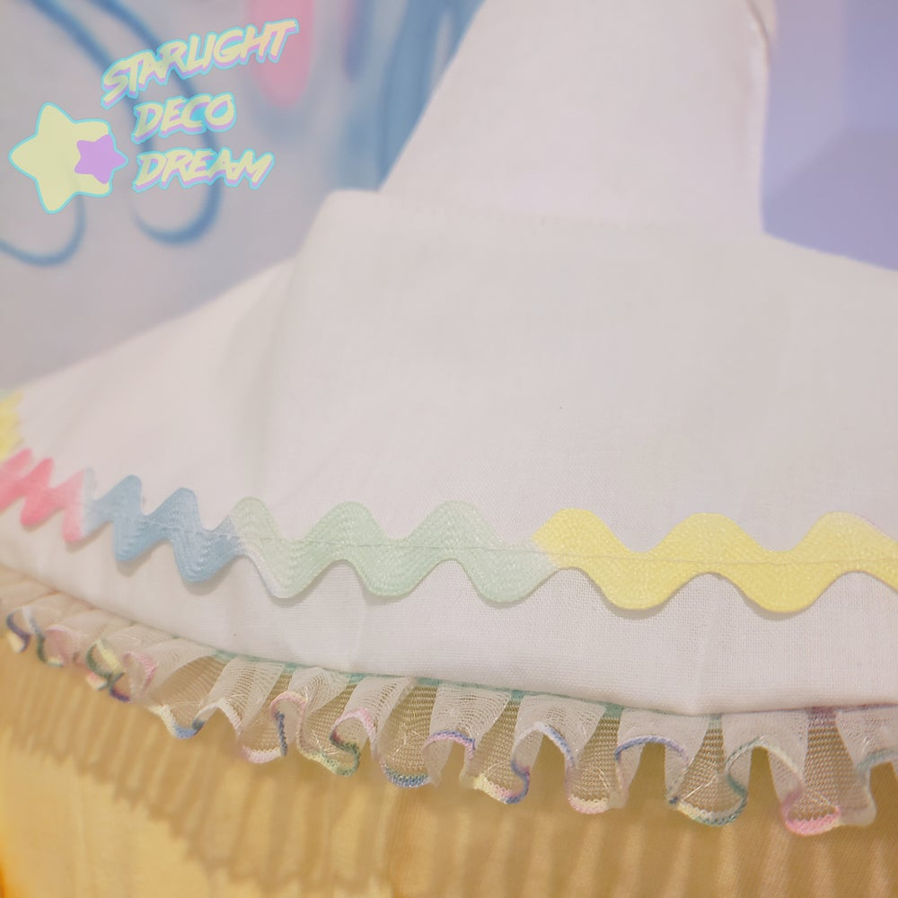 Image of White and Pastel Pop Galaxy Detachable and Reversible Collar / A