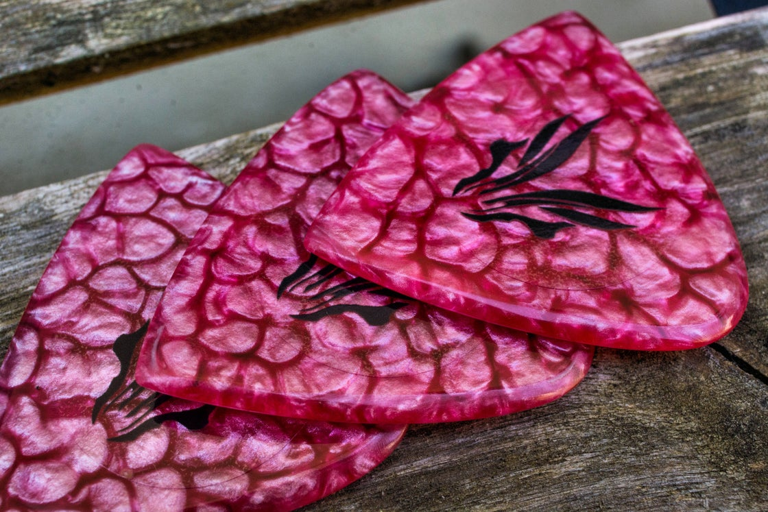Image of NEW: 3mm 'Pink Lava' plectrums