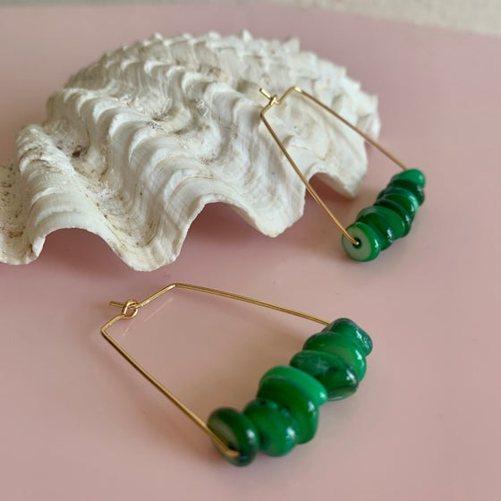 Image of Green Shell Nugget Rectangle Hoops