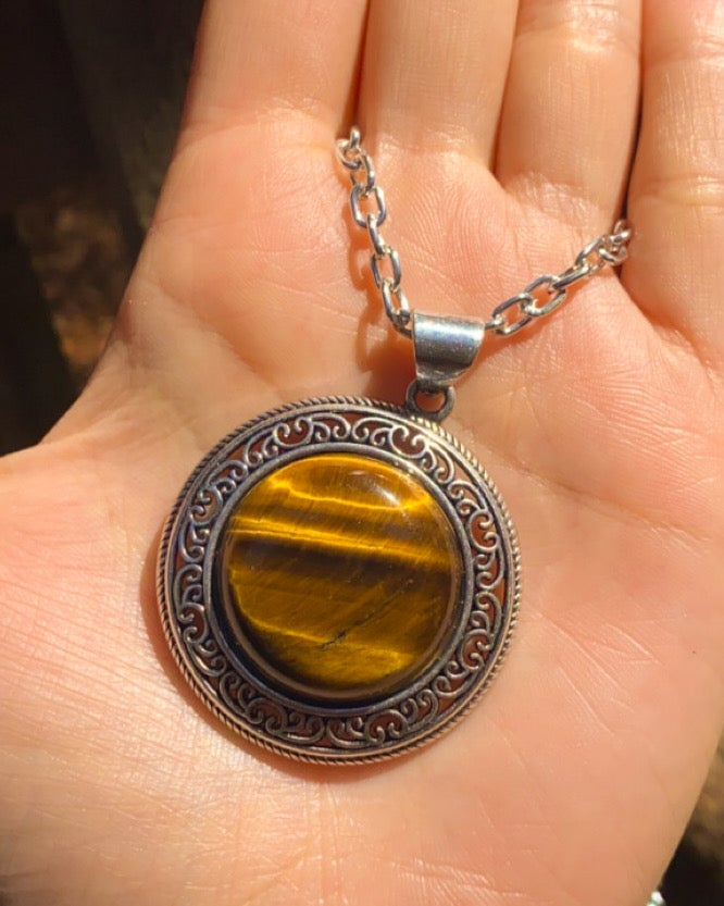 Image of tigers eye necklace