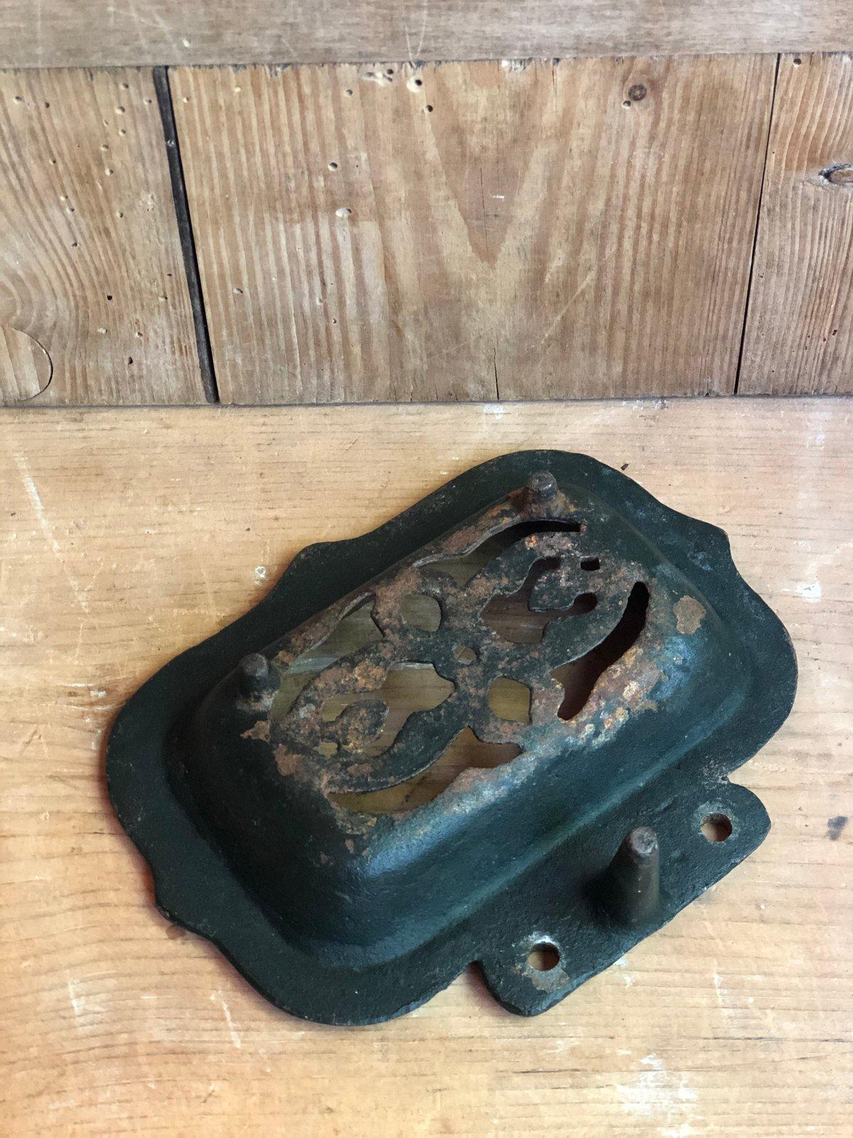 Image of Cast iron soap dish