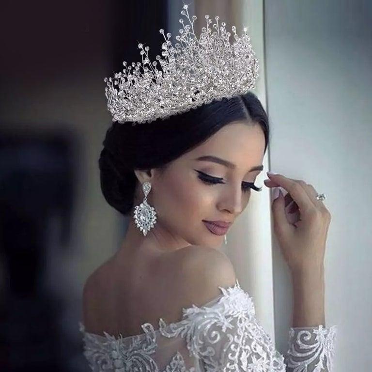 Image of Elizabeth Crown