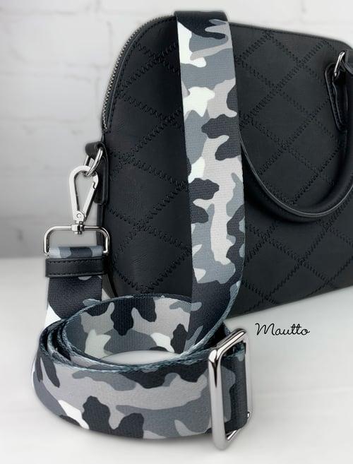 "Image of Snow/Winter Camouflage Bag Strap - 1.5"" Wide Nylon - Adjustable Length - Tear Drop Shape #14 Hooks"