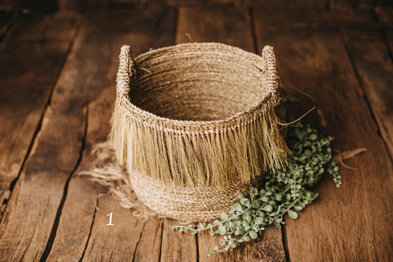 Image of Basket for sitters