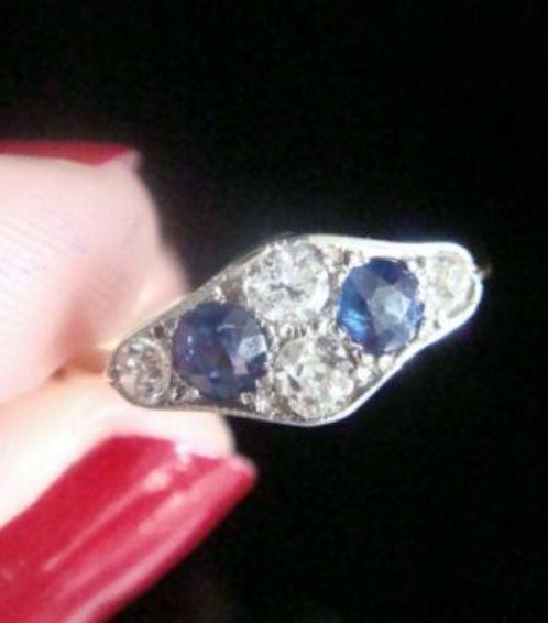 Image of EDWARDIAN 18CT YELLOW GOLD PLATINUM SAPPHIRE OLD CUT DIAMOND CLUSTER RING