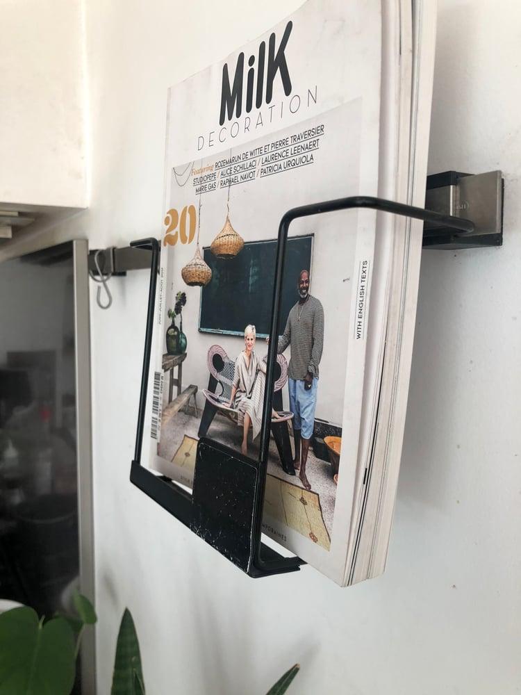 Image of Ancien présentoir de kiosque à journaux