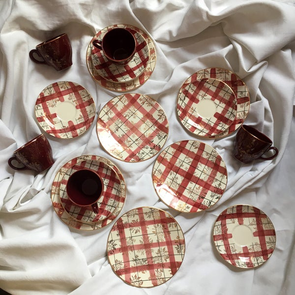 Image of Washington pottery checked tea set for six c.1950