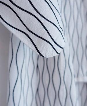 Image of Bomuldskimono - hvid med bølgestrib