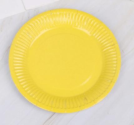 Image of Platos de papel amarillos
