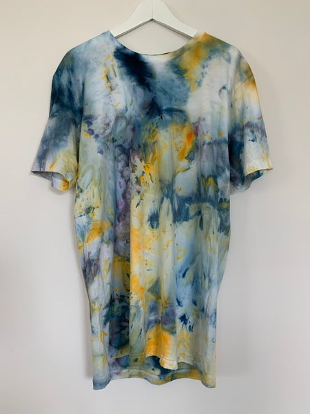 Image of Tie Dye 1 of 1 L (Painting Alone)