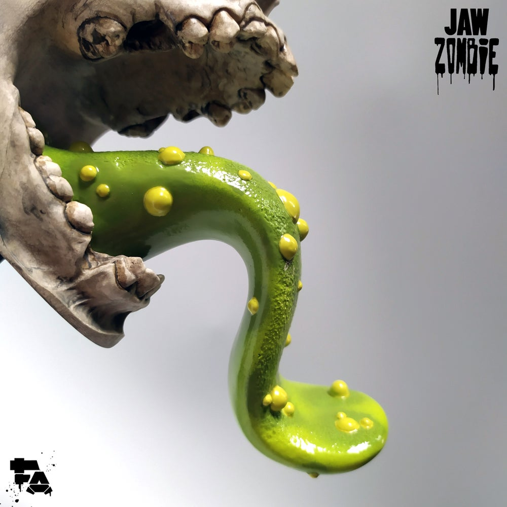 ✖✖ JAW ✖✖ - ZombiE - Green variant