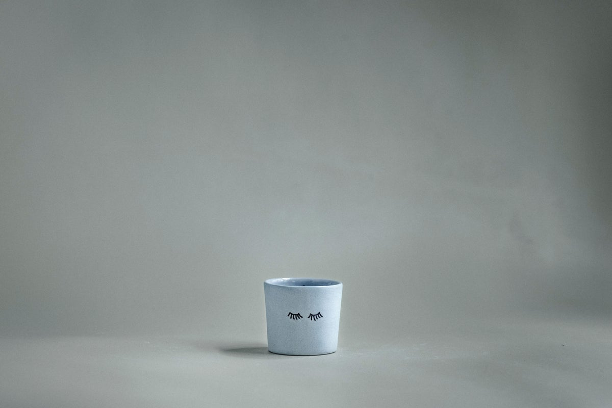 Image of cup 'eyes'