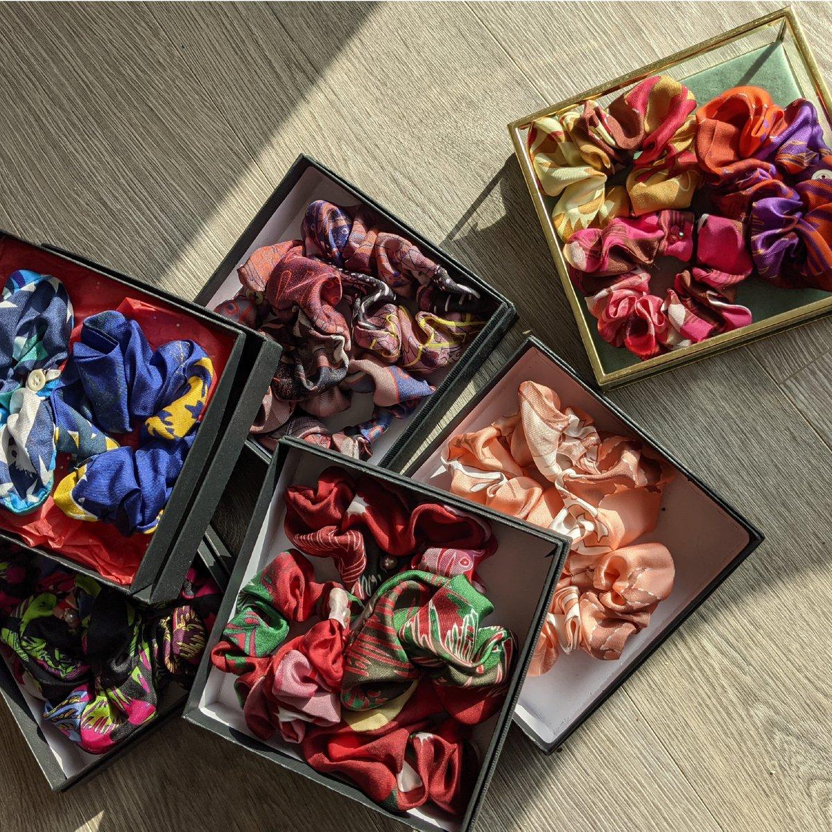 Image of Chouchous en soie, format Minette (pièce unique), upcyclé de nos foulards