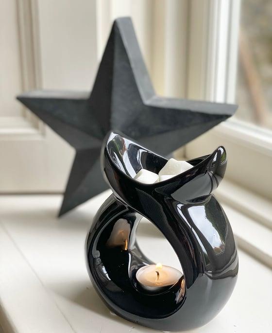Image of White / Black Serenity Ceramic Wax Melter & Melts ☆