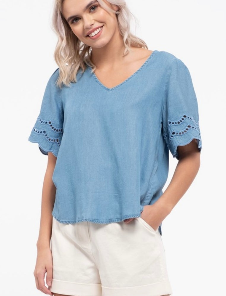 Image of PLUS- LEAH CHAMBRAY TOP