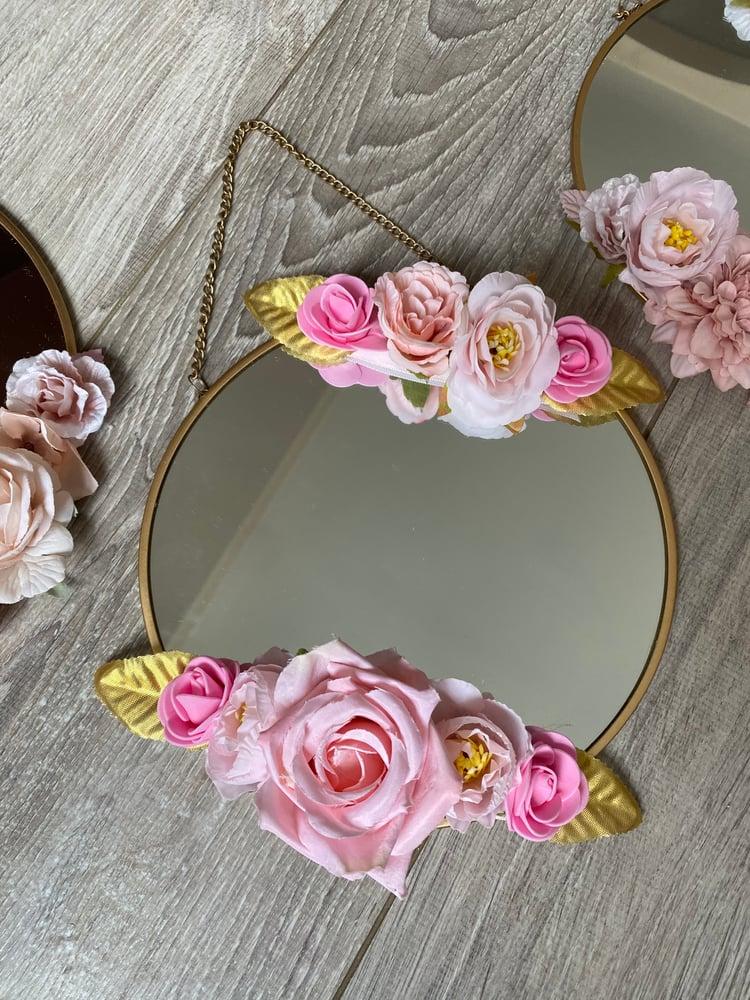Image of Miroir  fleuri métal doré 20cm rose/rose pâle