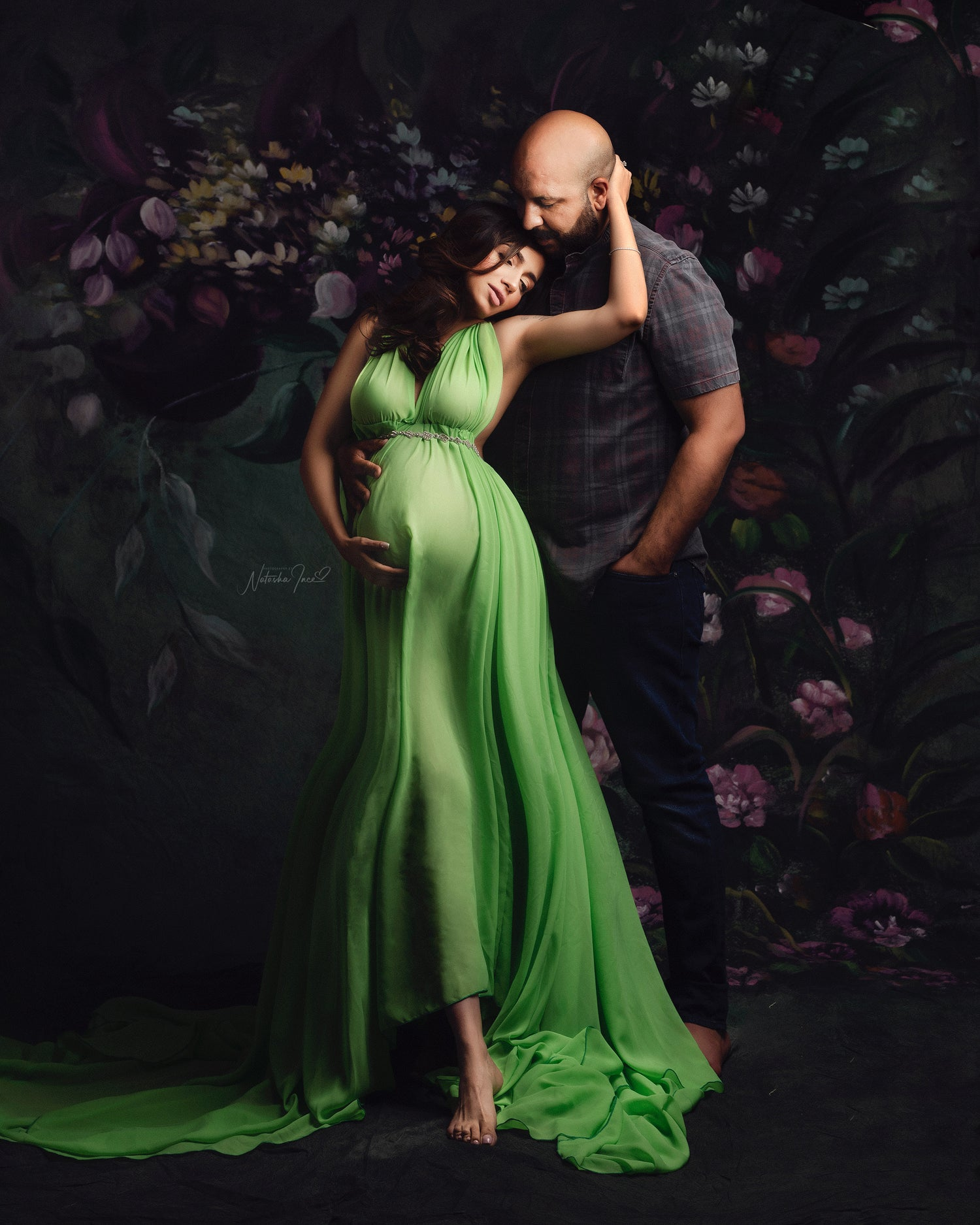 Image of MATERNITY COUPLE POSING AND LIGHTING LIVE CLASS