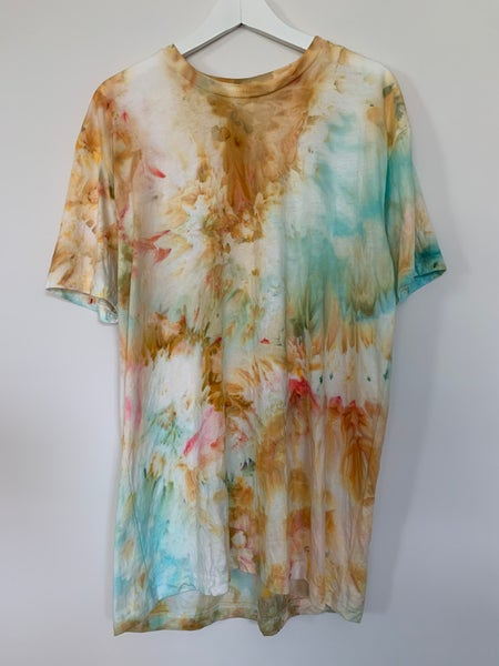 Image of Tie Dye 1 of 1 L (Clay and Flower Petals)