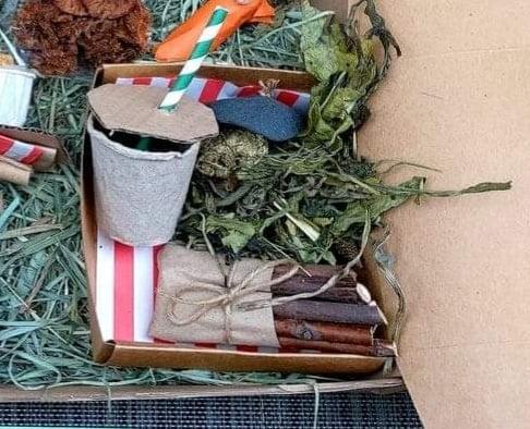 Image of Mini take-away box