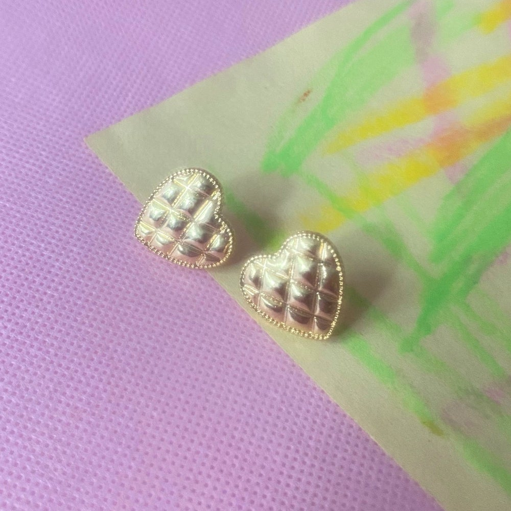 Image of GOLD QUILTED HEART STUDS