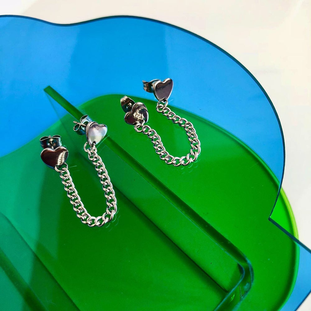 Image of DOUBLE HEART CHAIN EARRING