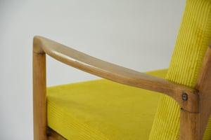 Image of Fauteuils BZ velours côtelé jaune