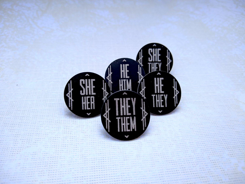 She/Her Art Deco Columns Pronoun Pin (Pay What You Can)