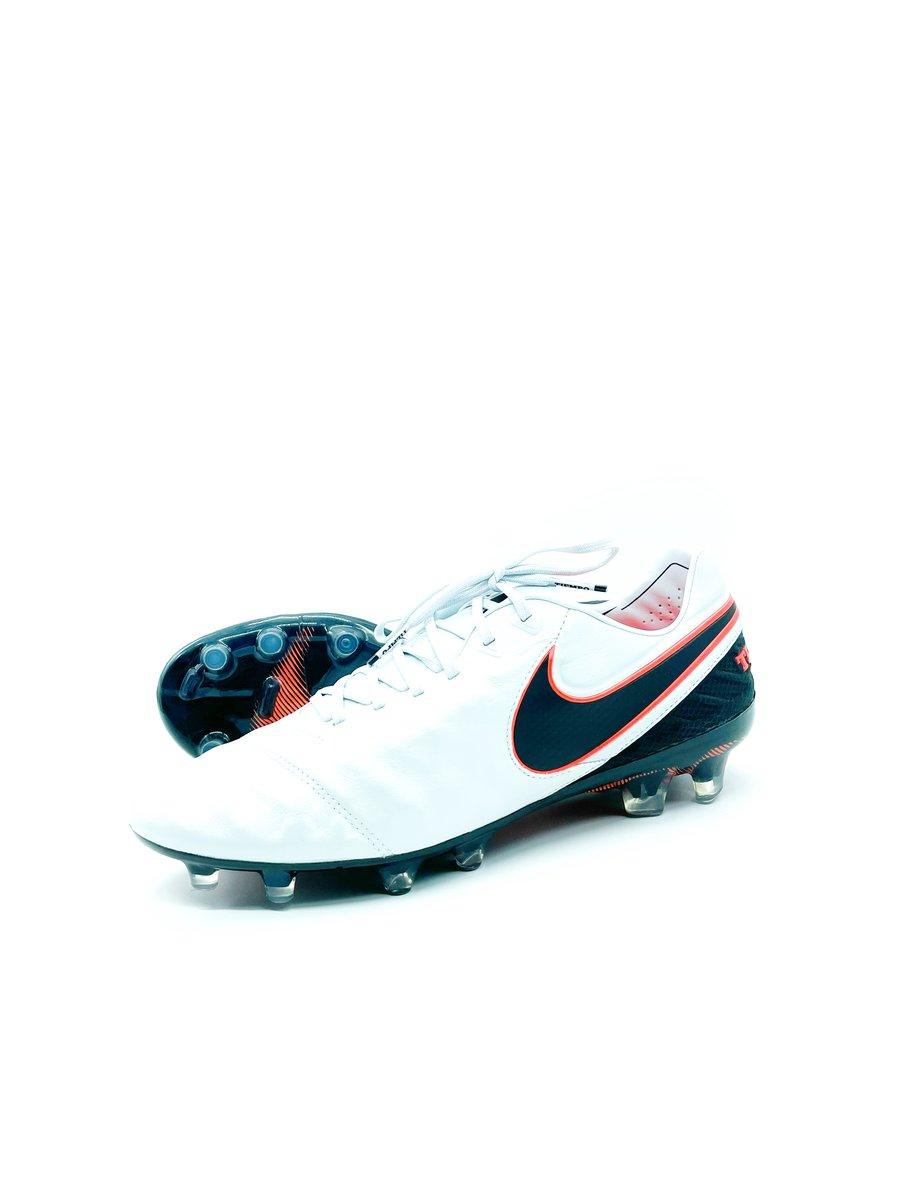Image of Nike tiempo VI FG white