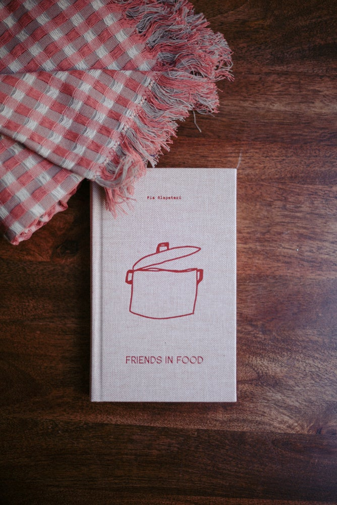 Image of  Friends in Food de Laine Magazine