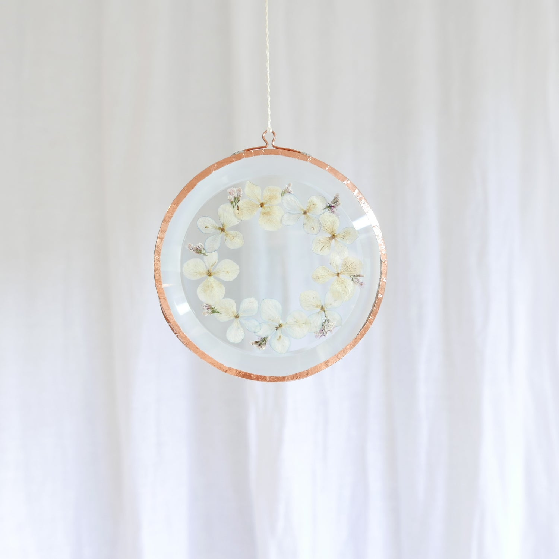 Image of Pressed Flower Suncatcher - Hydrangea Wreath