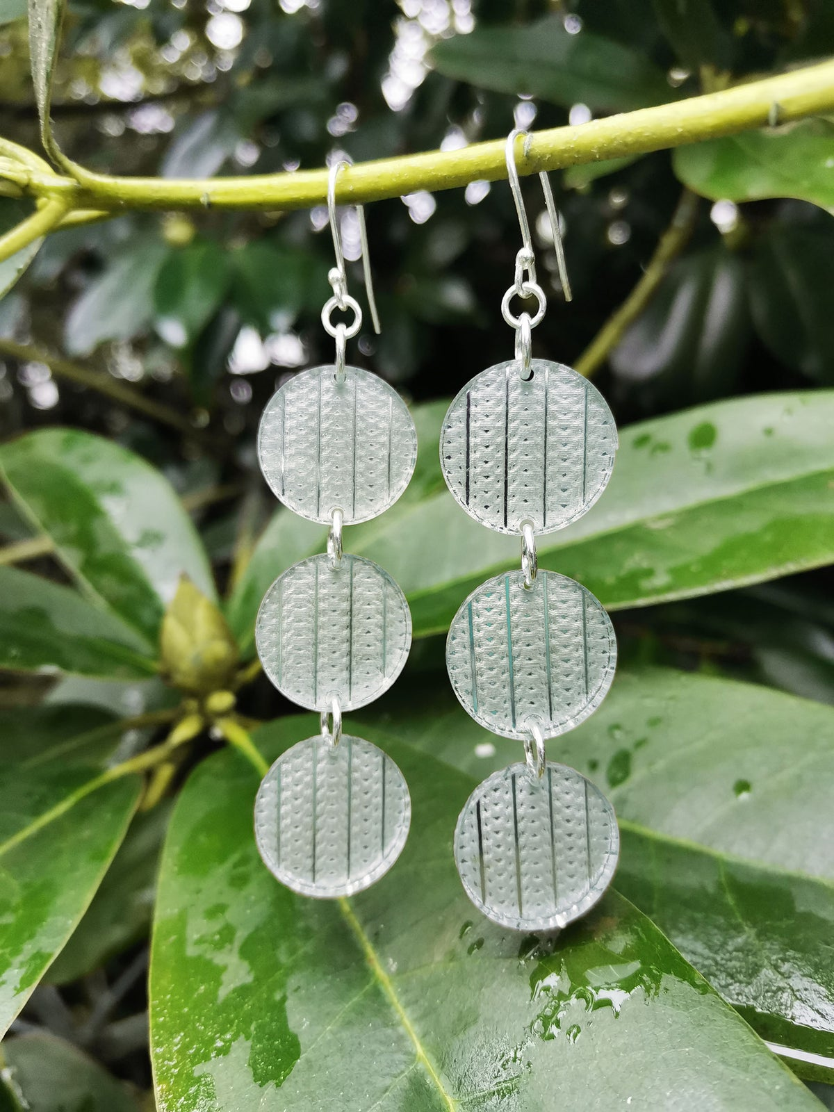 Image of Interweave Droplets in Silver