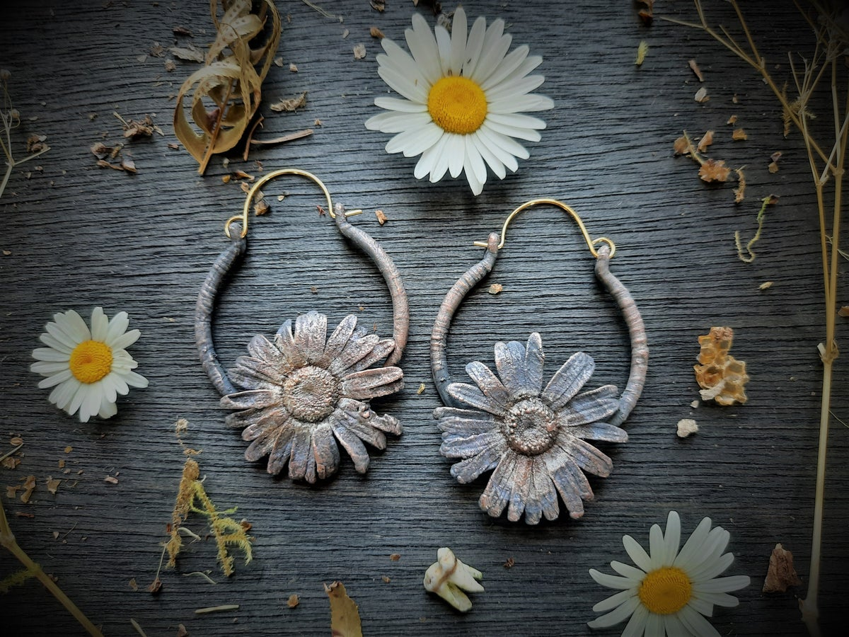 Image of Electroplated Single Daisy Hoops Small 1