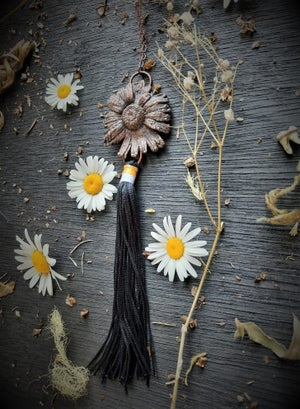 Image of Electroplated Daisy Necklace with Fringe 2