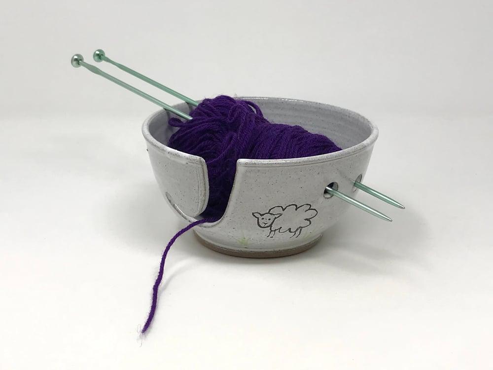 Image of White glazed & Sheep Decorated String Bowl