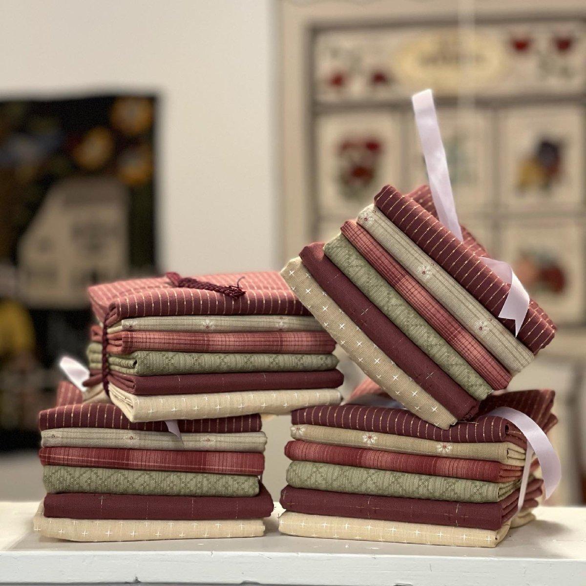 Diamond Textiles Woven Bundles-Red