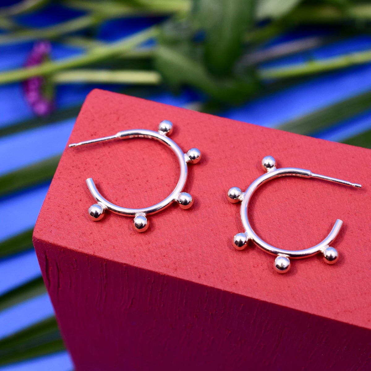 The Frida Hoops in 9ct Gold