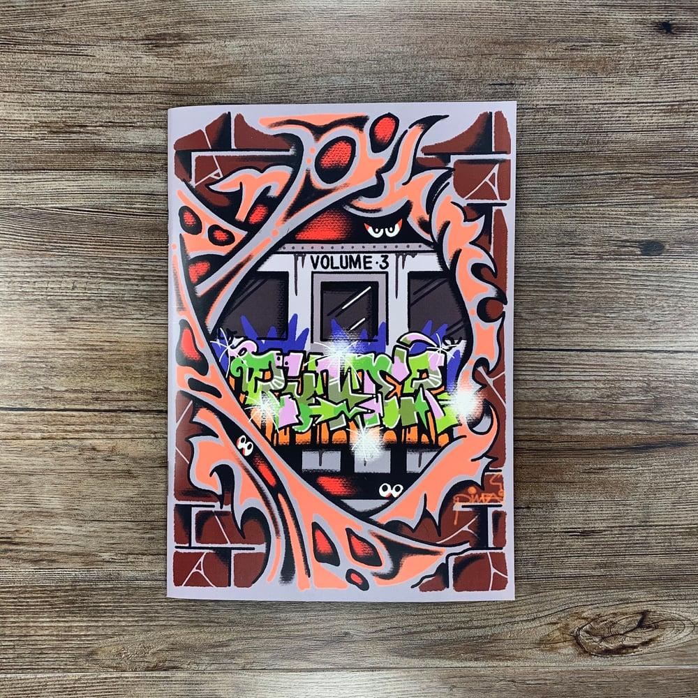 Image of RUNNER MAGAZINE - VOLUME 3.