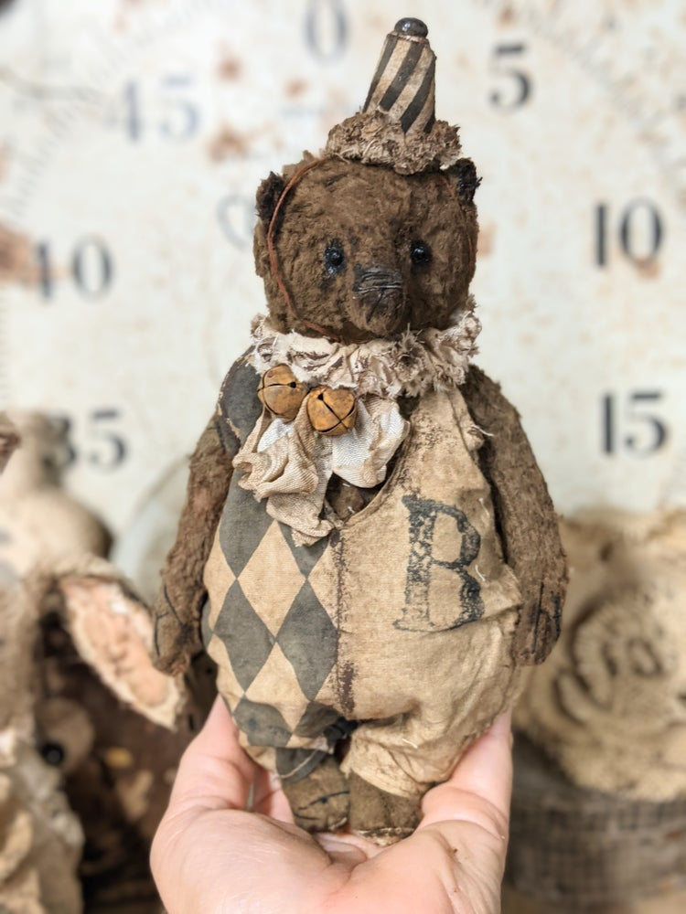 """Image of  8"""" old Fat distressed Vintage Primitive Teddy Bear in romper & ruff by Whendi's Bears"""