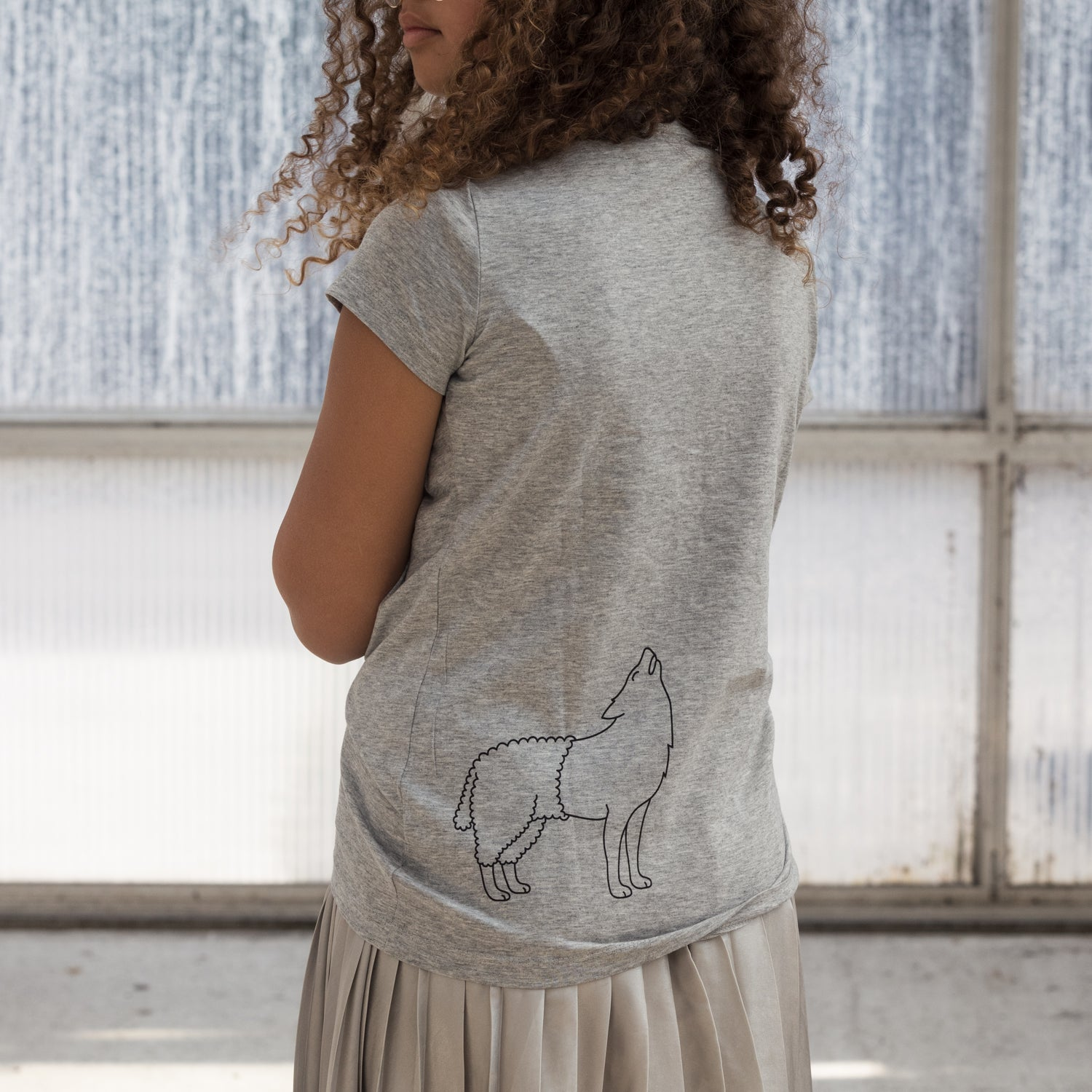 Image of T-SHIRT WOMAN short sleeve WOLFSHEEP (on the back) grey
