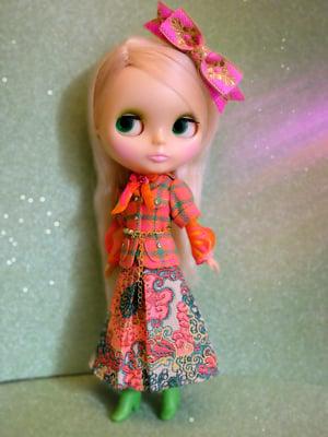 Image of Lounging Linda ~ Les Rétro Fleurs Outfit Set
