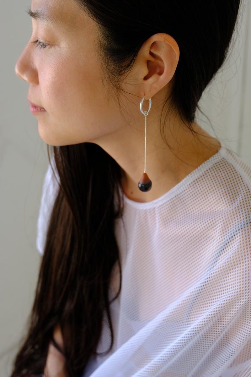 Image of swing droplet earring