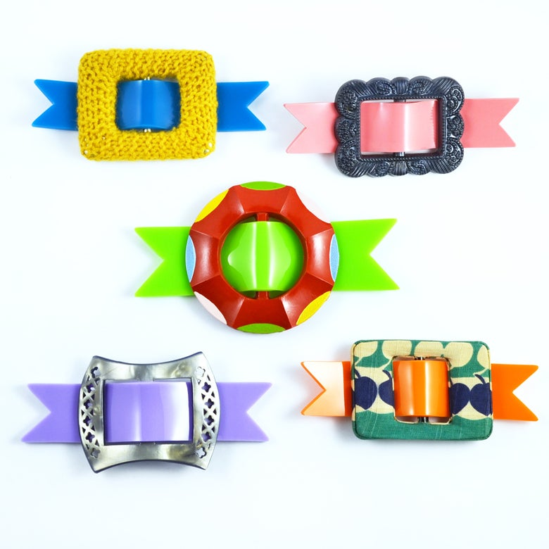 Image of Buckle brooches 132 to 136